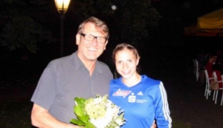 Eberhard gratuliert Nadine